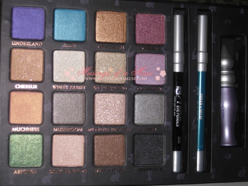 Urban Decay Alice in Wonderland Book of Shadows 27