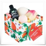 Lush Strawberry Picnic Gift Set