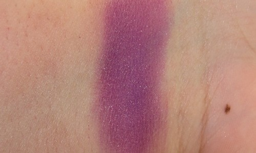 Bobbi Brown True Violet Shimmer Wash Eyeshadow Review, Swatches, Photos