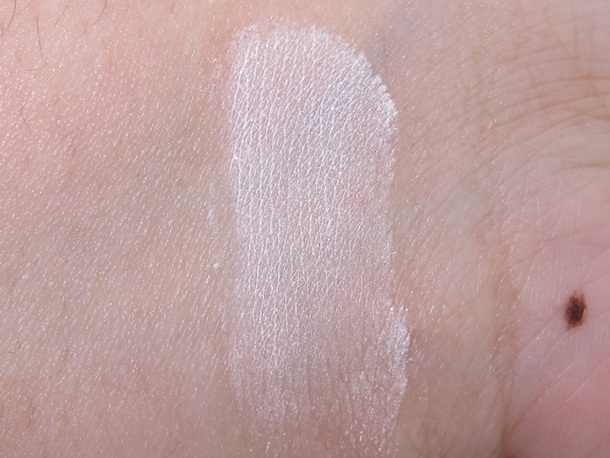 E.L.F. Studio High Definition Undereye Setting Powder Swatches