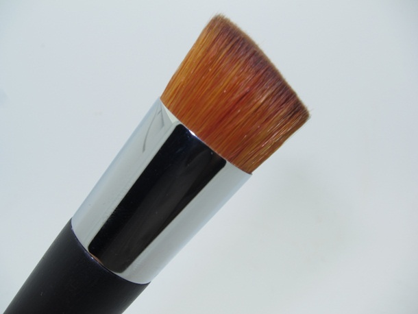 Dior Professional Light Finish Fluid Foundation Brush
