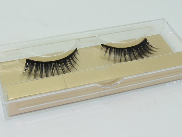 Dior Grand Bal False Lashes Pearl Drops