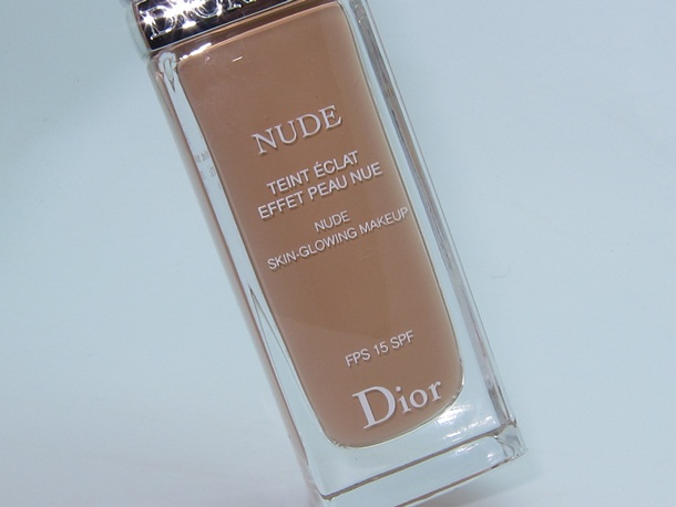 Diorskin Nude Skin Glowing Makeup Review & Swatches