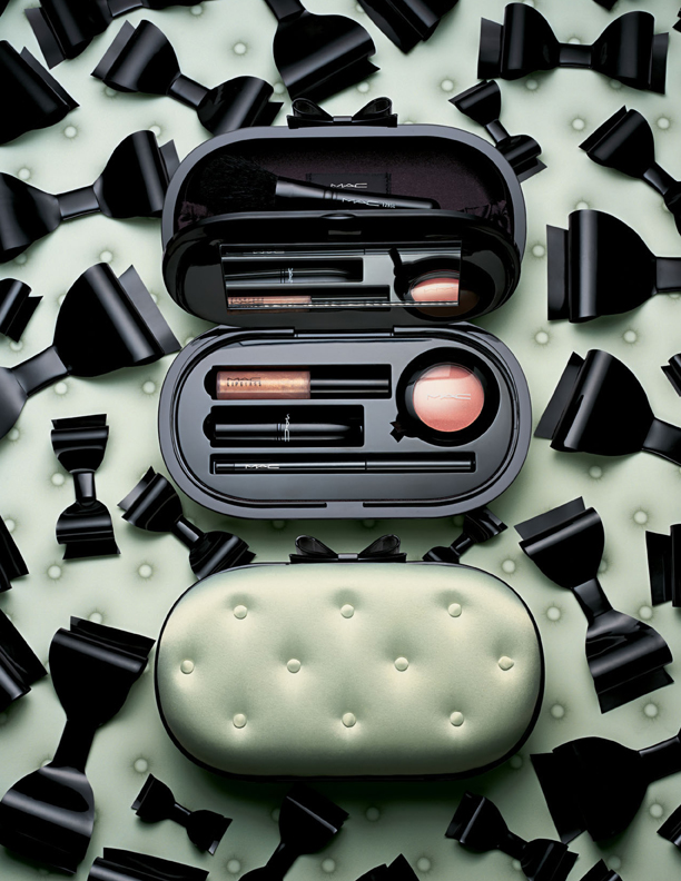 MAC Sinfully Chic Divine Desire Face Kit