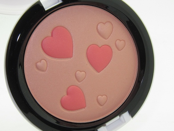 MAC Flatter Me Archies Girls Pearlmatte Face Powder
