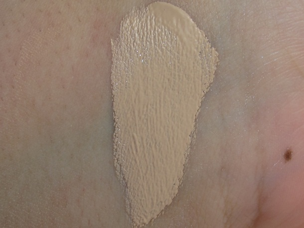 Etude House Precious Mineral BB Cream Cotton Fix Swatches