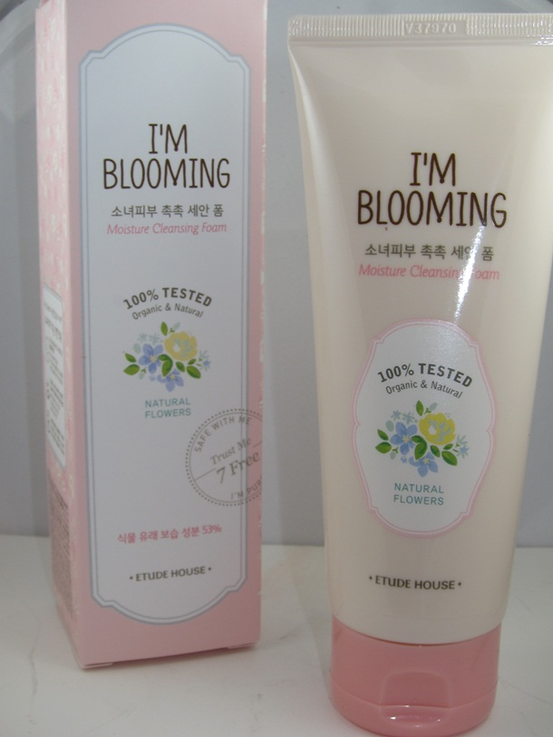 Etude House Im Blooming Moisture Cleansing Foam