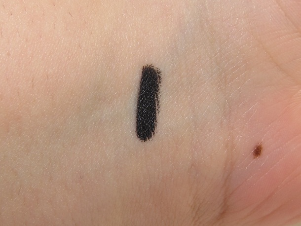 L'Oreal Colour Riche By Pencil Perfect Eyeliner Review & Swatches