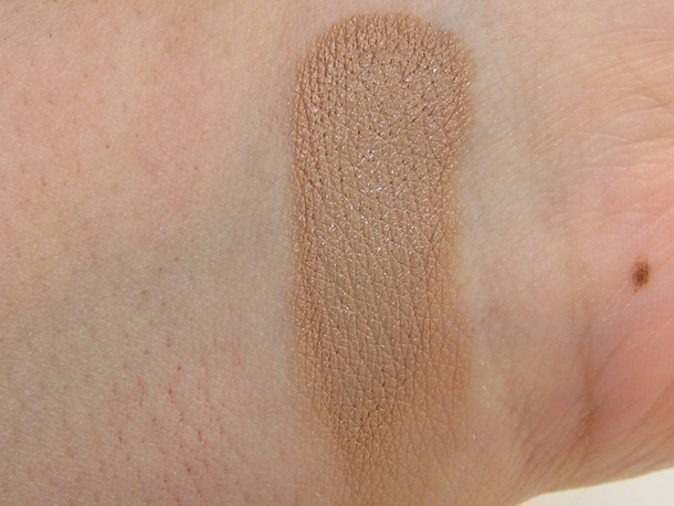 Obsessive Compulsive Cosmetics Skin Conceal Review & Swatches