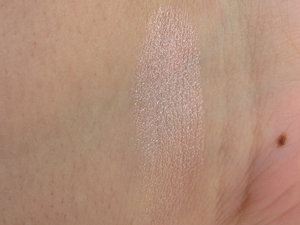 Wet n Wild Rose Champagne Glow To Reflect Shimmer Palette Swatches