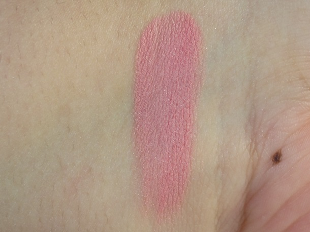 Hourglass radiant magneta Ambient Lighting Blush swatches