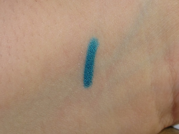 L'Oreal True Teal Infallible Silkissime Eyeliner swatches