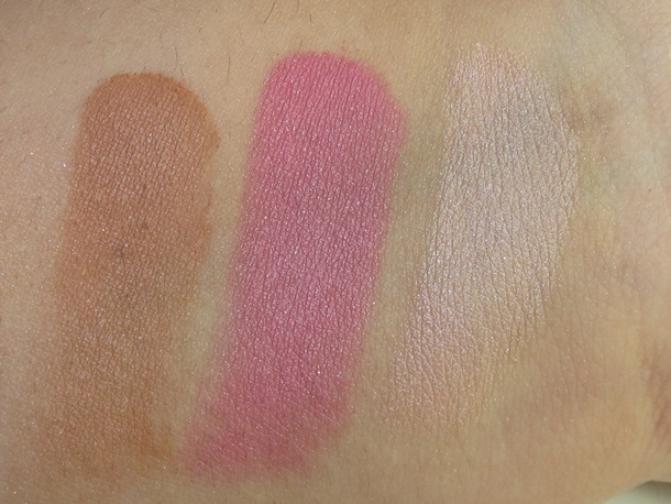 Urban Decay Naked on The Run palette swatches