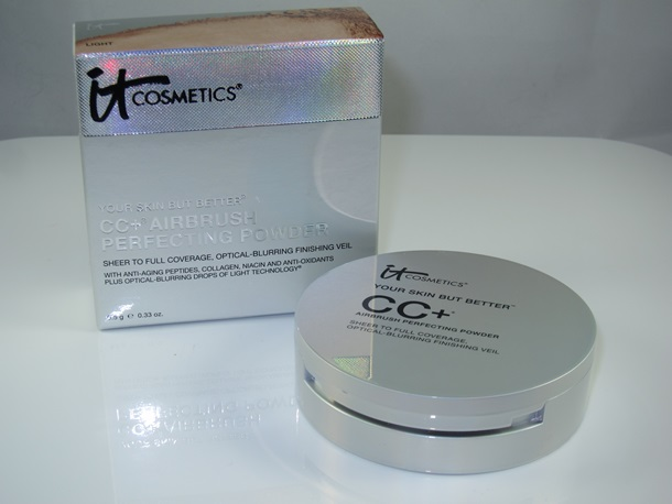 It Cosmetics CC+ Airbrush Perfecting Powder Review & Swatches