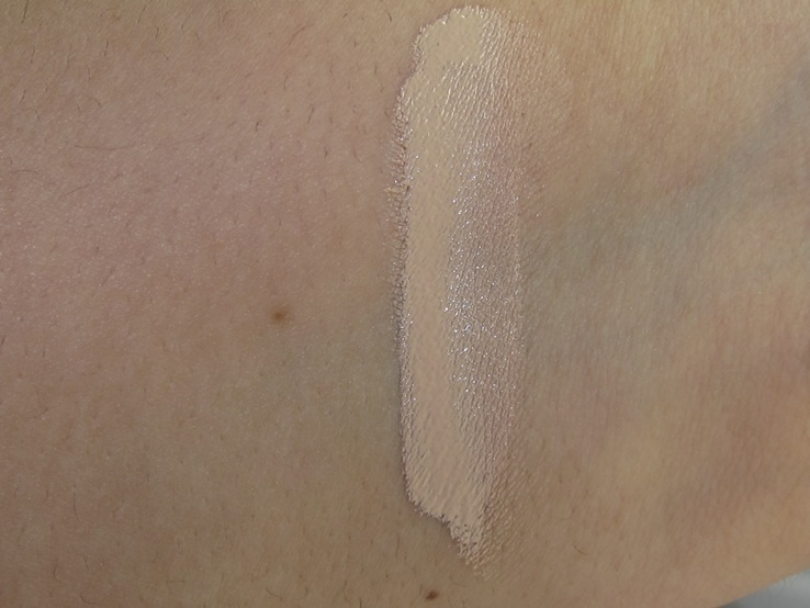 It Cosmetics Bye Bye Under Eye Concealer Swatches (Medium)